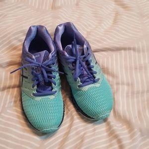 Asics Gel sneakers quantum size 8 almost new